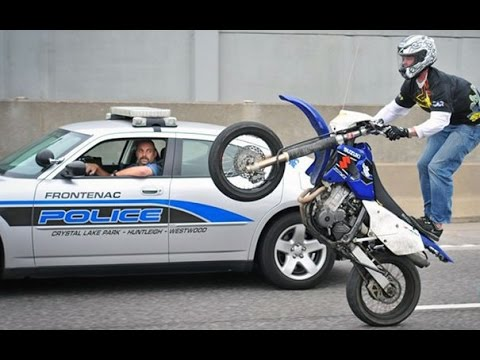 Bikes Vs Police Motorcycle Stunters VS