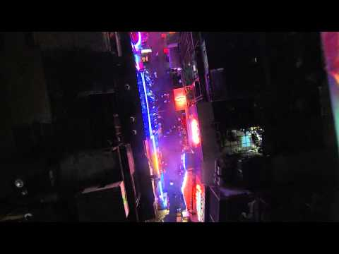 Bangkok Shutdown January 21 2014 – Aerial drone Soi Cowboy still open, but thin