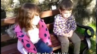 Ngo nghinh - Clip bà chị 4 tuổi dậy dỗ em trai 2 tuổi gây sốt trên mạng