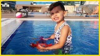 Yankı ile Evimizin Altında Havuz Keyfi Yaptık l Yankı Havuzda l Prens Yankı