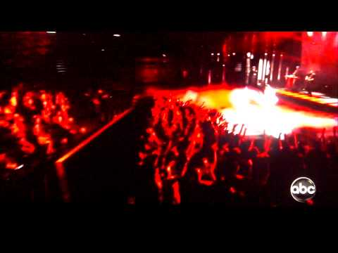 Miguel kills (kicks and leg drops) 2 girls at the billboard awards