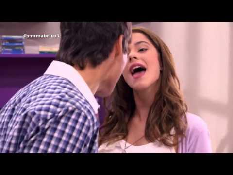 Violetta 1 - León y Violetta cantan juntos por primera vez (01x27-28)