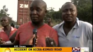 Accident on Accra Kumasi Road - AM News (22-12-14)