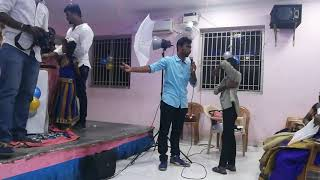 MC Lambo Kanna from Chennai Event Entertainers making kids and ladies sing birthday song