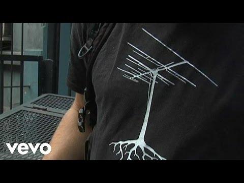 download lagu Shontelle - T-Shirt Behind The gratis