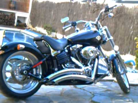 Harley Davidson Softail Rocker C a ralentí en venta (Thundermax) .AVI Video