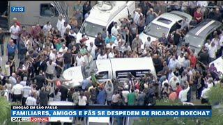 Familiares, amigos e fãs se despedem de Ricardo Boechat