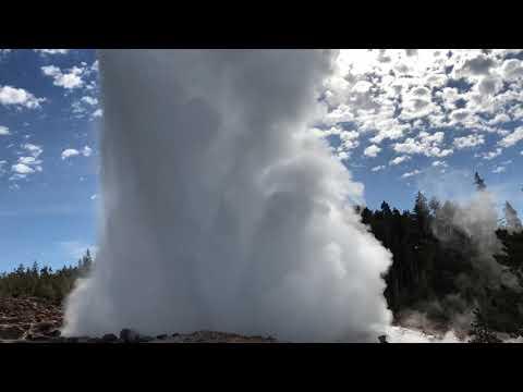 Steamboat 2018-06-04 0904 major eruption