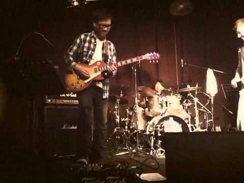 (1)EUGENE PAO包以正&THE POWS play classic rock 2011.3.19 at Grappas Cellar,Hong Kong