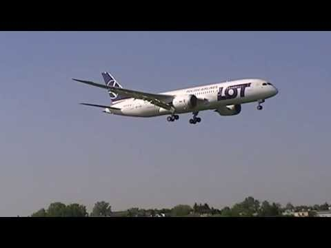 LOT Polish Airlines Boeing 787-85D Dreamliner SP-LRC first landing in Warsaw