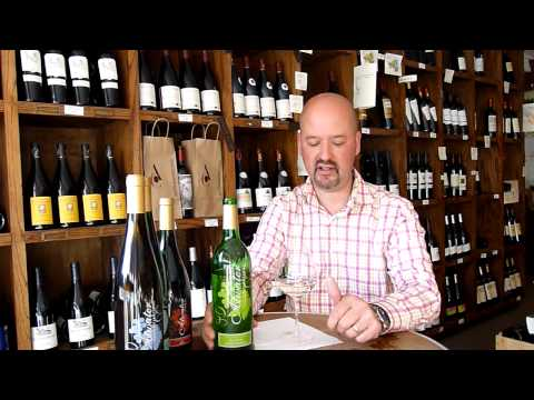 Review of the Atwater Estate white table wine (NY Finger Lakes, USA)