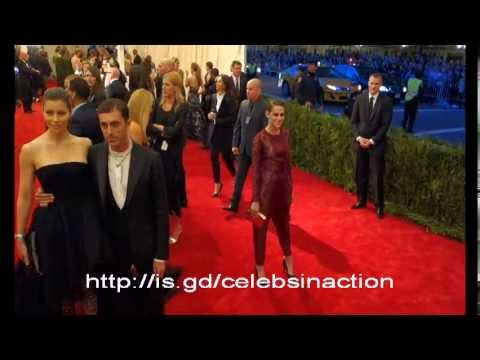Kristen Stewart Ass Pinched By Katy Perry At MET GALA Event