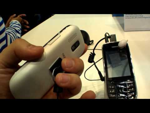 Nokia Asha 202 Dual-Sim Smartphone - Hands On (English)