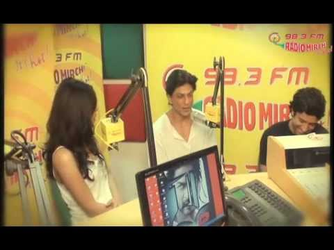Catch Shahrukh Khan & Priyanka Chopra in Mirchi Studios for...