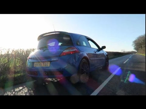 The Renault Megane R26 Review   Lightweight. French B Road Bashing!