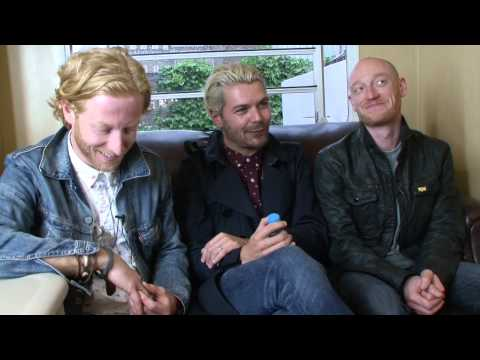 Biffy Clyro Cover Rage At Secret Gig