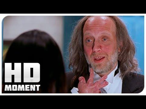 Синди приехала на место назначения - Очень страшное кино 2 (2001) - Момент из фильма