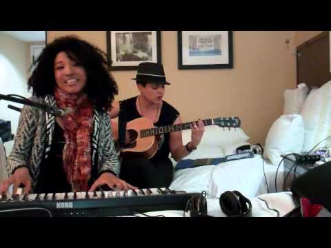 "The Voice's Judith Hill & Karina Iglesias Spoof ""It's A Man's World"" in Japonespañol"