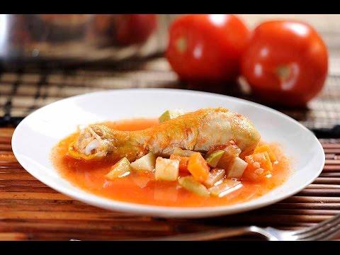 Pollo con verduras y caldillo de jitomate