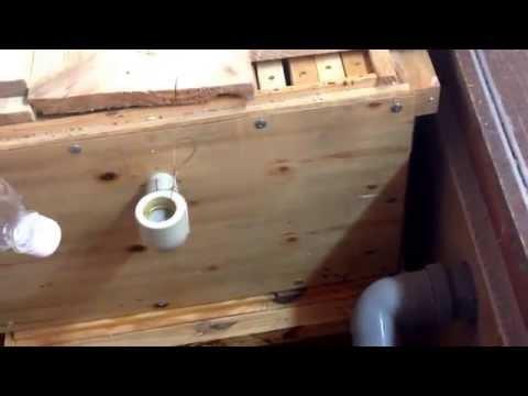 Видео как сделать поилку для пчел - Биметалл Плюс