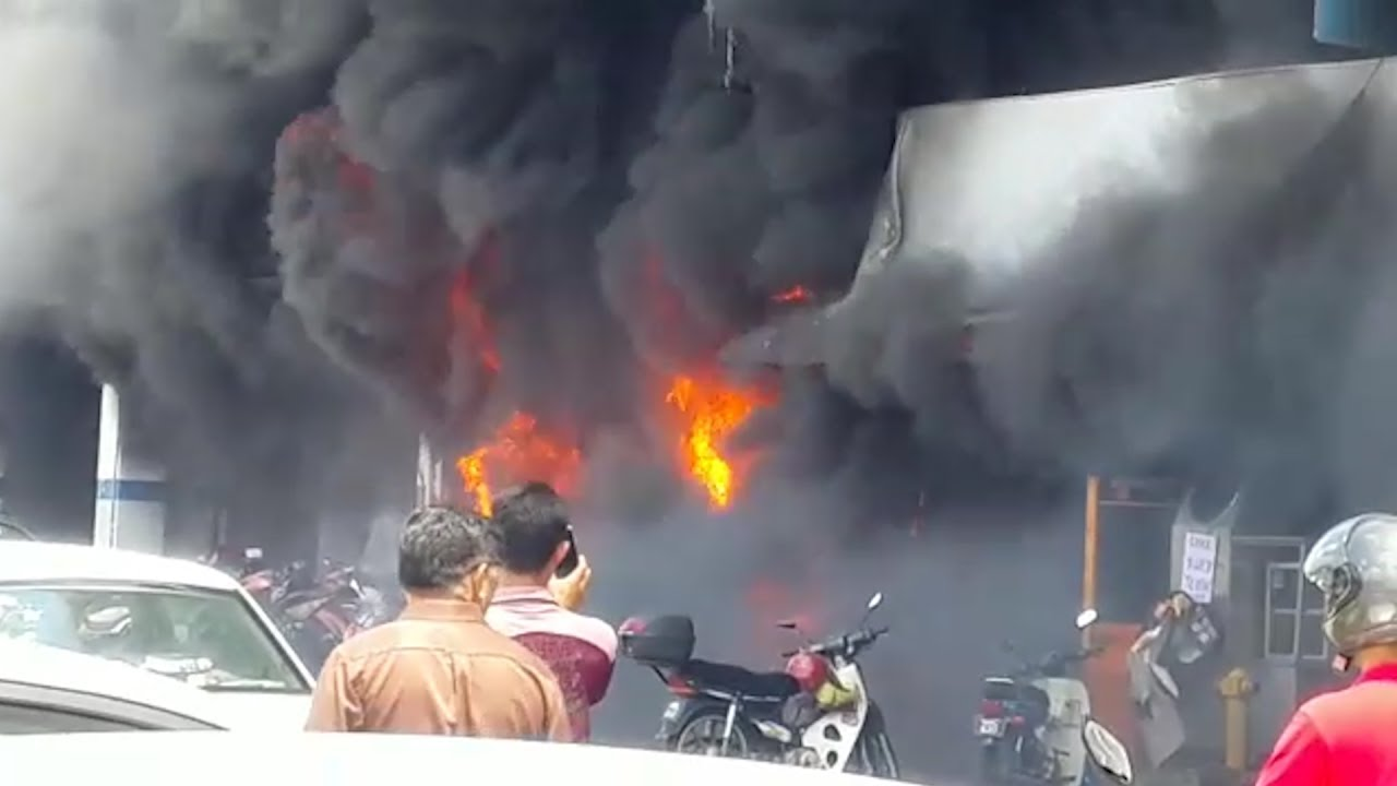 Fire at Cheras motorcycle shop prompts evacuation