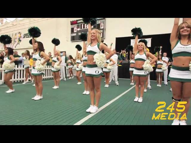 University of Oregon Cheerleader Team Pre Game Performance U of O vs. Utah 2009