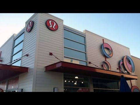 What to Do When Lululemon Reports Earnings