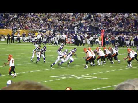 MN Vikings vs Bengals 12/13/09 - Vikings Defense - O'Sullivan incomplete to Benson