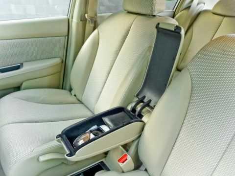 Nissan Tiida 15M. 2004. Compact meets Luxury