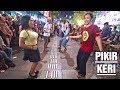 Mantap Jiwa! PIKIR KERI Angklung - Si Mbak Senang Joget Bareng Penari Ganteng (Angklung Malioboro) thumbnail