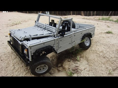LEGO Land-Rover Defender 110 by Sheepo