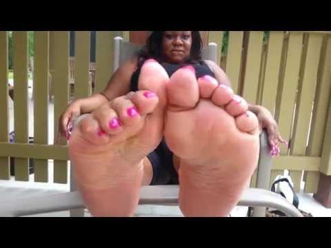 Redhead pussy feet