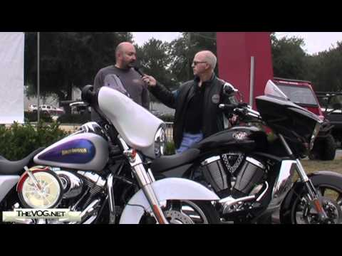 Victory Cross Country vs. Harley-Davidson Street Glide