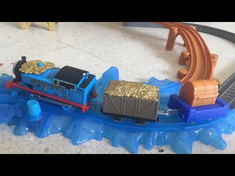 Thomas and Friends Trackmaster Motorized Treasure Thomas from Sodor's Legend of the Lost Treasure