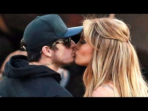 Jennifer Lopez Caught Kissing Her Ex Casper Smart — Are They Back Together?