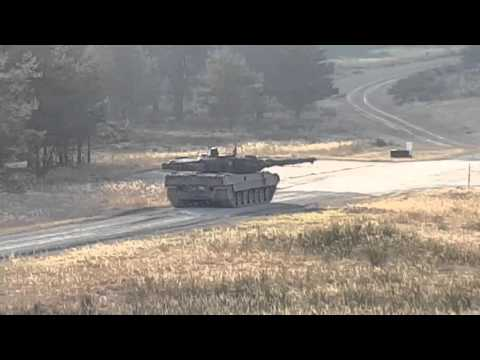 Tank Leopard 2 in action - shoot and speed