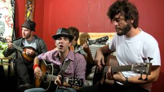 Watch Stephen Kellogg & The Sixers 4th Street Moon video