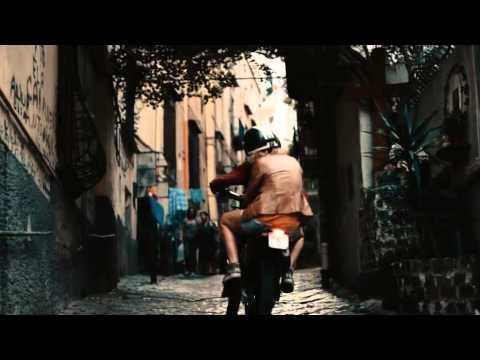 Pif in viaggio nelle città  per TuttoFibra di Telecom Italia. Firma Leagas Delaney