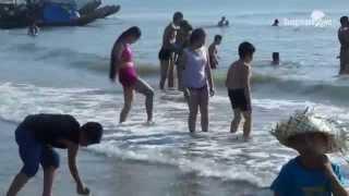 Người đẹp dùng chân vẽ cát gây sốt ở biển Hải Hòa