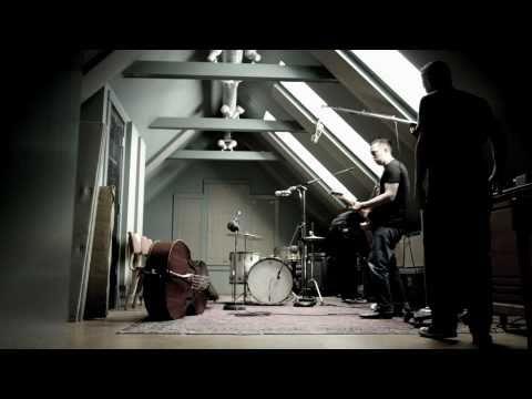 Thumbnail of video Nuevo rhythm & blues al estilo del antiguo