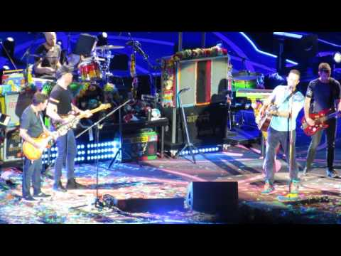 Coldplay & Michael J Fox - Earth Angel and Johnny B. Goode - 7/17/16 (full video)