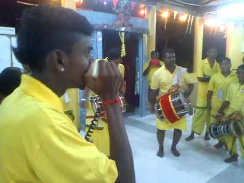 Sri Naga Kali Urumi Melam At Vinayagar Shathurti 4 video