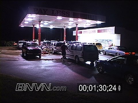 7/9/2005 Hurricane Dennis Video. Mad Dash For Fuel At Last Gas Station