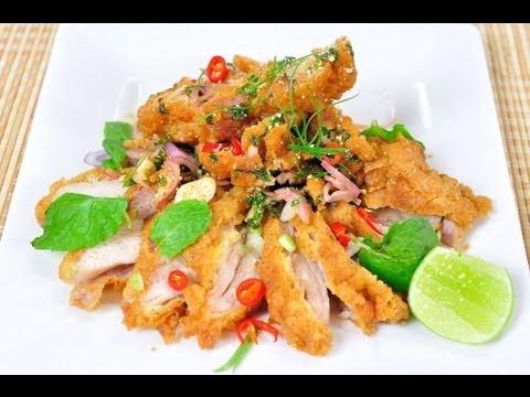 ไก่ทอดน้ำตก Spicy Fried Chicken Salad - YouTube