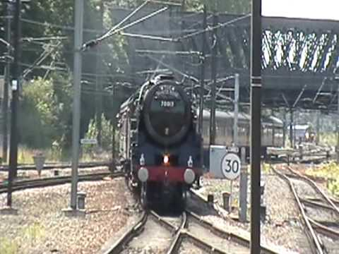 Hi this is the first video of the day with 70013 pulling in to Yorks platform 10 with a beautiful whistle on the White Rose Railtour. Oliver Cromwell is a Br...