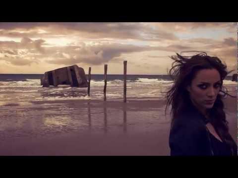 Léa Castel - Larguer les amarres (Clip Officiel)