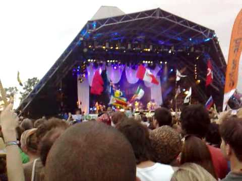 Amy Winehouse Live @ Glastonbury Festival 2008.