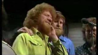 Watch Luke Kelly The Auld Triangle video