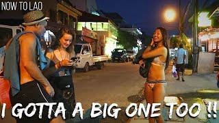 Travel Laos: Walking Street Vang Vieng Night Market - VangVieng Drone Video - Now to Lao travel vlog