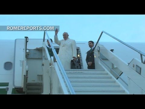 Pope Francis leaves for Mexico and Cuba